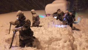 自衛隊の除雪はわずか